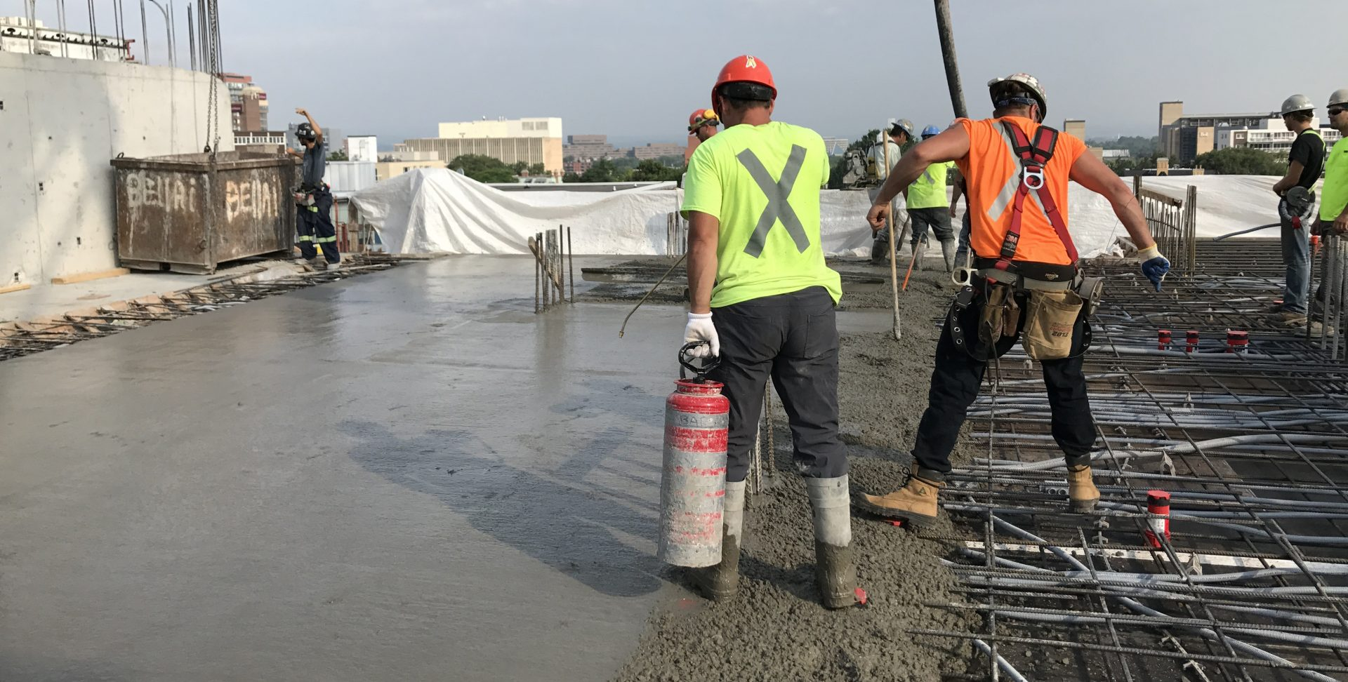 How To Gain Expertise In Construction And Concrete Finishing?